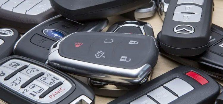 Por que o controle remoto da chave do meu carro não está funcionando?